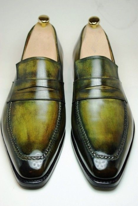 Dad... emerald finish ✤ I know where I get my love for shoes...=) You have more in your closet than I do in mine...=)