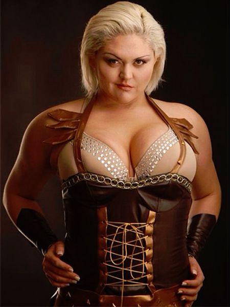 Lindsay Hayward Model Actress Wrestler At 6 9 Quot She S