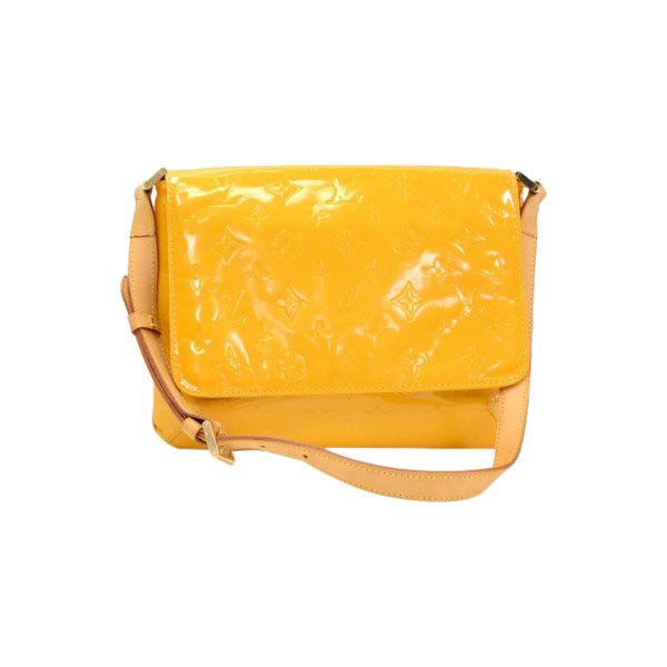 Pre-Owned Louis Vuitton Thompson Street Yellow Vernis Leather Shoulder... (4.252.805 IDR) ❤ liked on Polyvore featuring bags, handbags, shoulder bags, yellow, yellow purses, leather shoulder bag, yellow leather purse, shoulder strap bags and leather shoulder handbags
