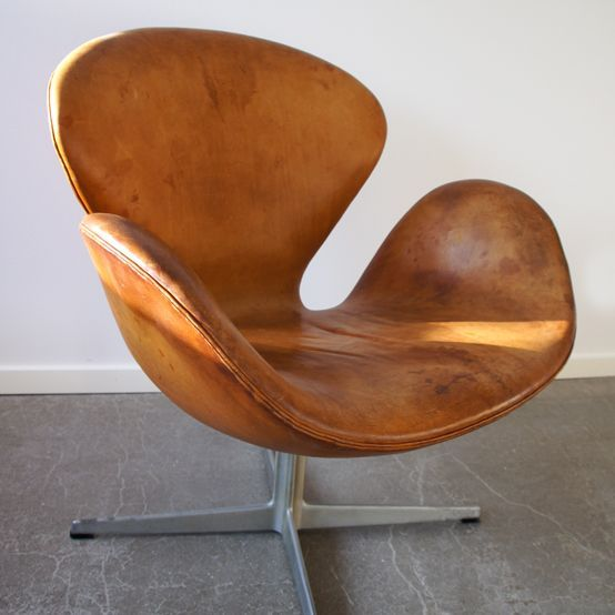 The swan chair originally designed in 1958 by danish for Sessel jacobsen