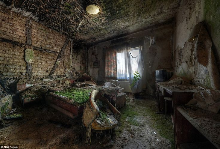 Creepy But Amazing Pictures Taken From Abandoned Mansions Buildings And Parks Mansions