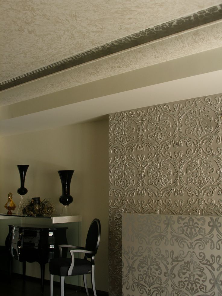 Relief covered with silver leaf, on bedroom wall. Pearl effect on ceiling. Artist Manuela Palinginis