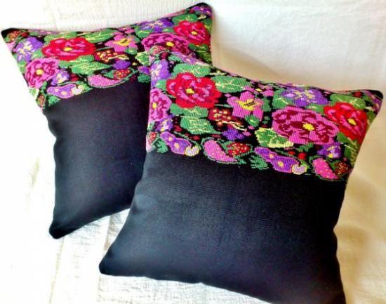 Fundas para cojines con flores multicolores bordadas a - Cojines hechos a mano ...