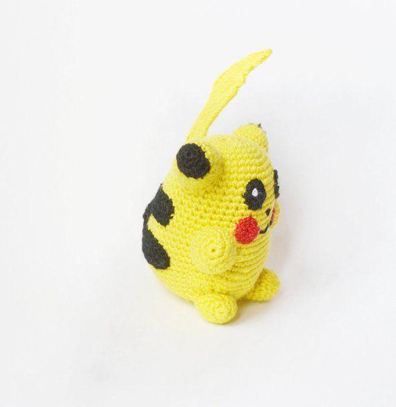 CROCHET POKEBALL PATTERN - Detective pikachu stuff toy - Amigurumi ... | 587x570