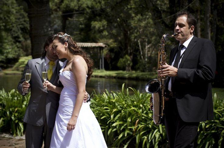 Guillermo Garcés Músico eventos  Pianista, saxofonista y cantante Medellín