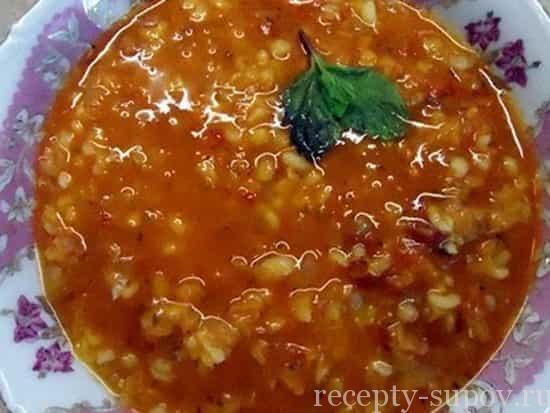Эзо чорбаси или турецкий суп с булгуром и чечевицей фото