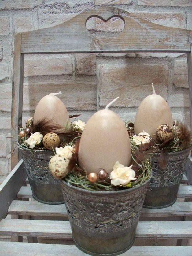 Ostertischdeko - Ostergesteck mit Ei-Kerze,Antik-Look Zinktopf - ein Designerstück von die-mit-den-blumen-tanzt bei DaWanda