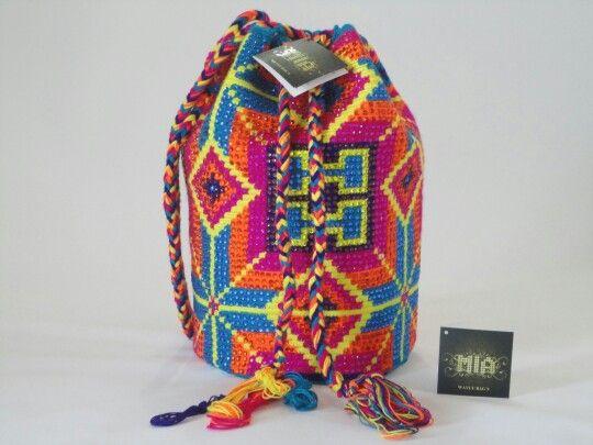 #morralwayuu #handmade #beachbags #shoulderbags #miawayuu inf Whatsapp ( + 57 ) 3102629820 Colombia