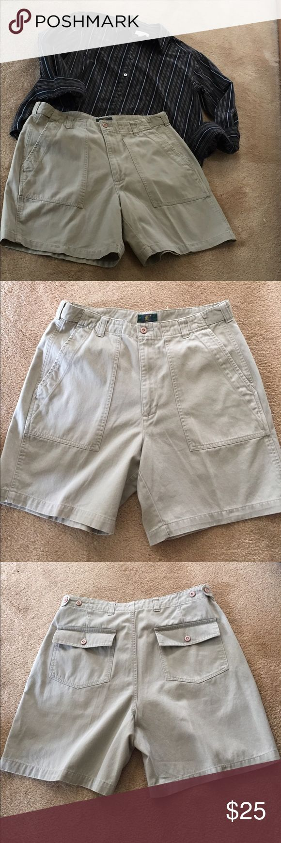 Men's Dresses Shorts Great khaki dress shorts for a casual date. Size 33 Club Room Shorts Flat Front