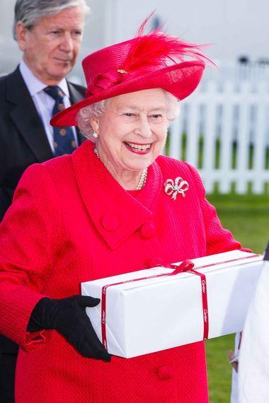 The Queen wearing Queen Victoria's bow brooch