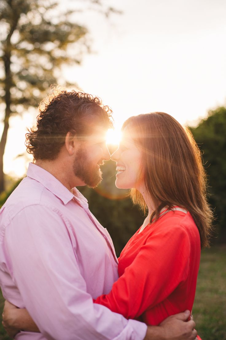Engagement photography. Sun flare.