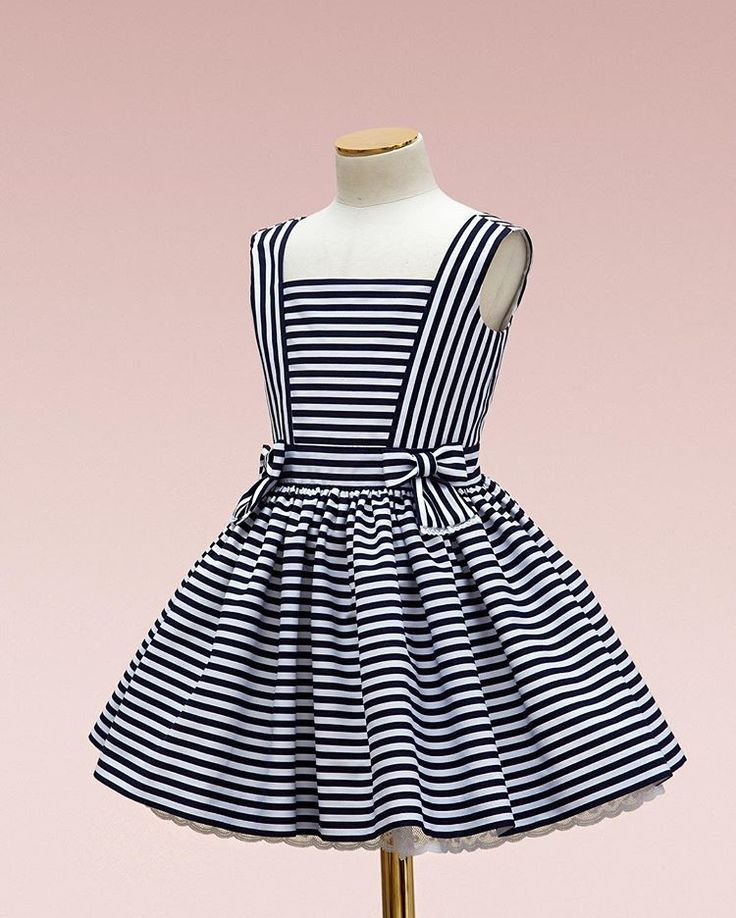 Cruise striped dress with organic textiles #bibiona #couture #springsummer #bibiona_cruise17
