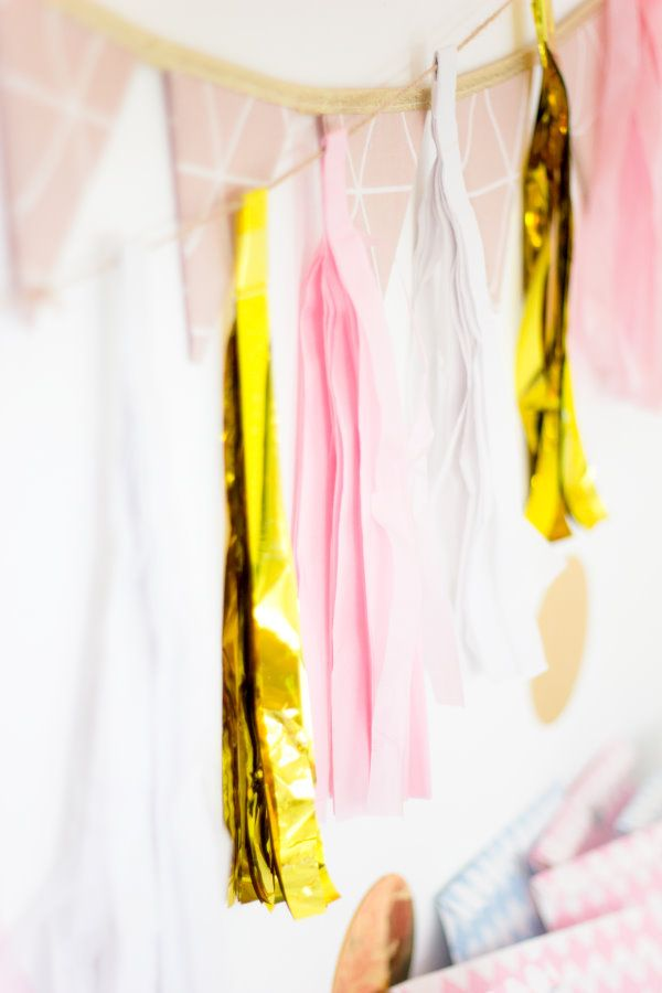Golden tassel garland  by http://titatoni.blogspot.de/