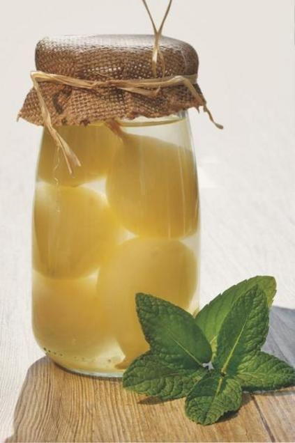Conserva de peras en almíbar