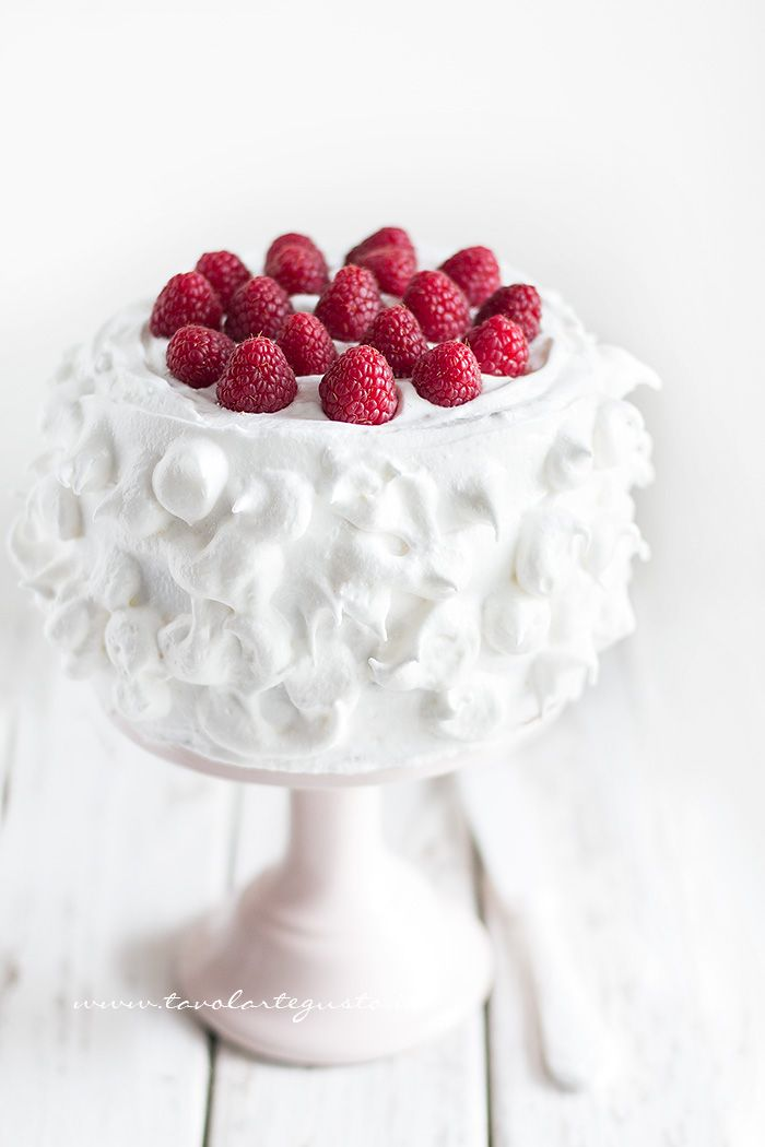 This is summer....also too pretty to eat!! raspberry cake with italian meringue
