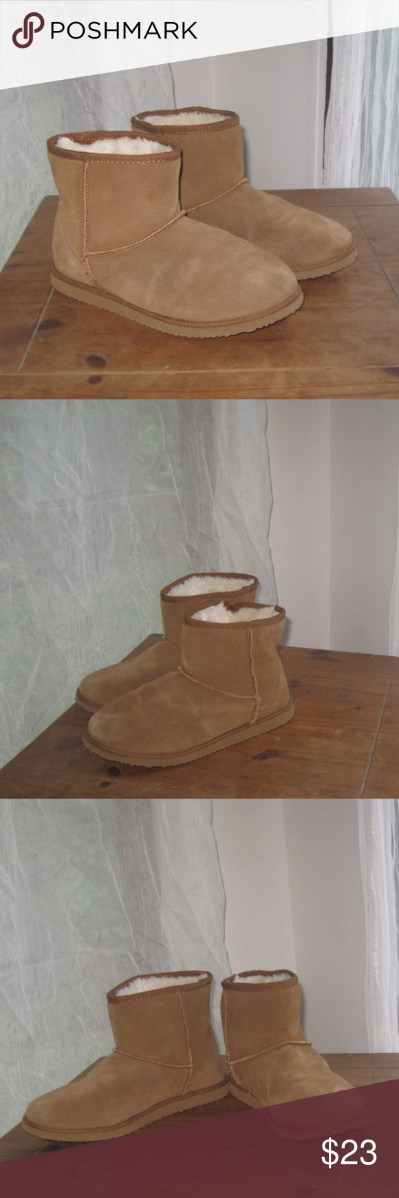 Old Navy 9 USA Beige Sherpa Low Ankle Boot EUC Old Navy size 9 USA ankle boot excellent pre-owned. Old Navy Shoes Ankle Boots & Booties