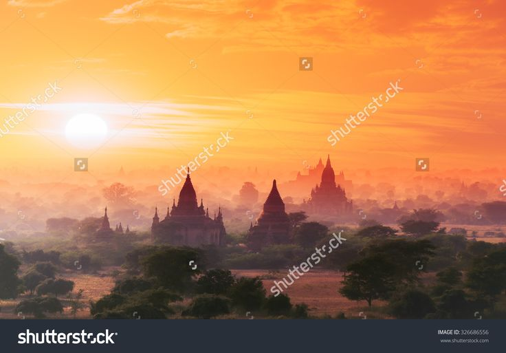 stock-photo-myanmar-bagan-historical-site-on-magical-sunset-with-beautiful-sky-and-buddhist-temples-panoramic-326686556.jpg (1500×1046)