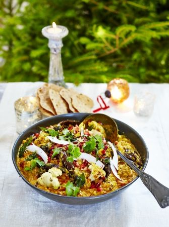Looking for the perfect leftover Christmas curry? Well look no further than this turkey curry recipe from Jamie Oliver, it's sure to be a family favourite.
