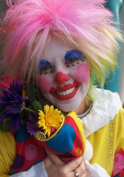100 best really beautiful clowns images on pinterest for Face painting clowns for birthday parties