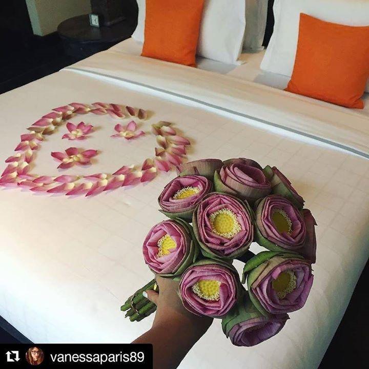 I nostri meravigliosi sposini sono da poco arrivati nella nostra Cambogia  #Repost @vanessaparis89 with @repostapp  Beat welcome ever  #shintamani #siemreap #best #top #instatravel http://ift.tt/2puT5Uz