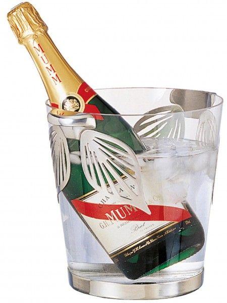 Ce seau à champagne en verre et orné de décoration en étain est prêt à accueillir vos bouteilles et vos glaçons, pour des boissons fraîches à table, lors de vos soirées festives http://www.accessoire-pour-le-vin.fr/boutique/cadeaux-de-100-a-200e/seau-champagne-en-verre-et-etain/