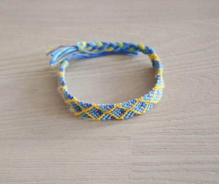 bracelet brésilien, bracelet de l'amitié , turquoise vert jaune bleu : Bracelet par planete-b-bijoux