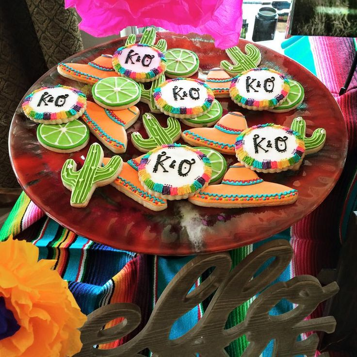 fiesta themed couples shower #couplesshower #fiesta #caceyscakery #sugarcookies