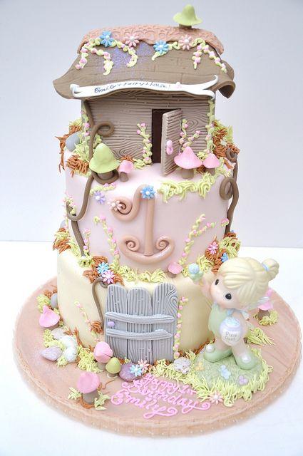 Fairy House Cake, via Flickr.