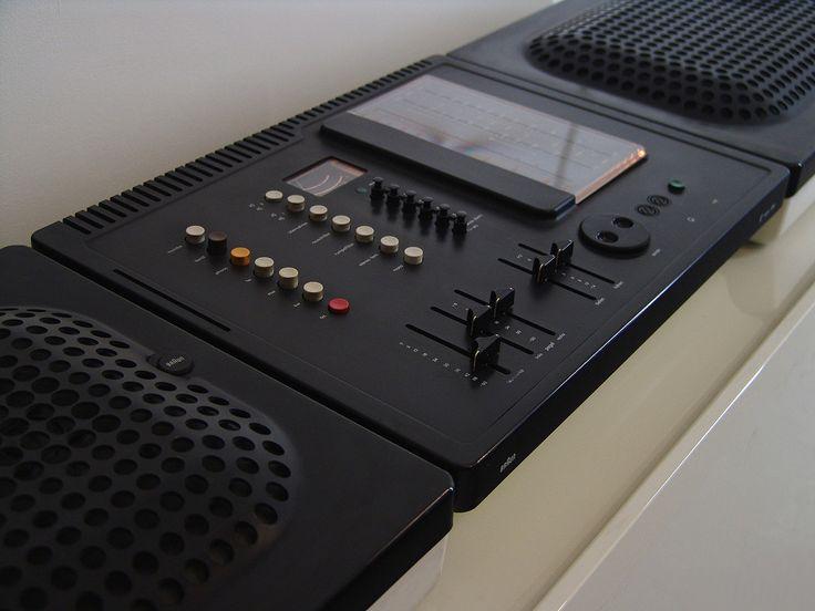 Braun receiver Regie 308 in Schwartz/Weiss, design by Dieter Rams in 1973