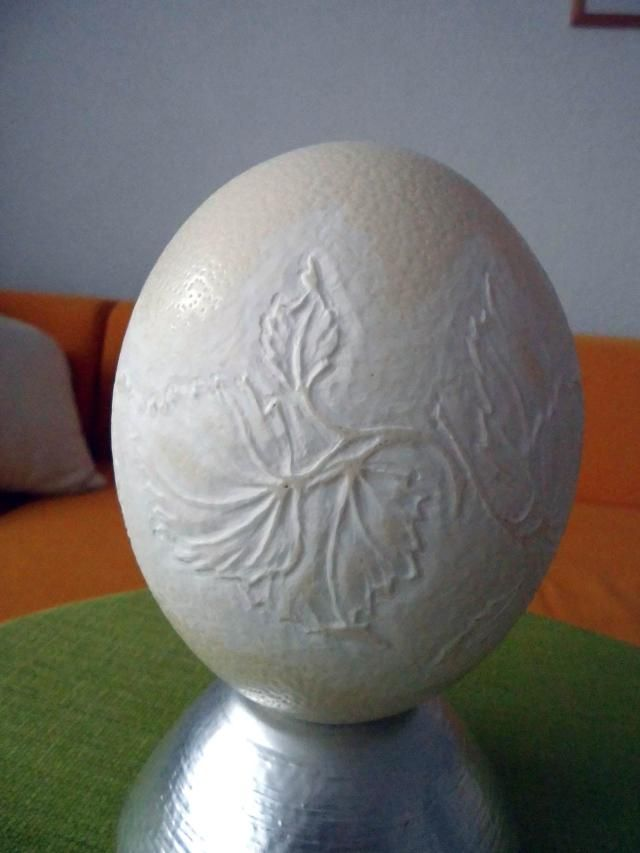 jajo strusia rzeźba na strusim jajku made by BJGoleń egg ostrich carved in Poland
