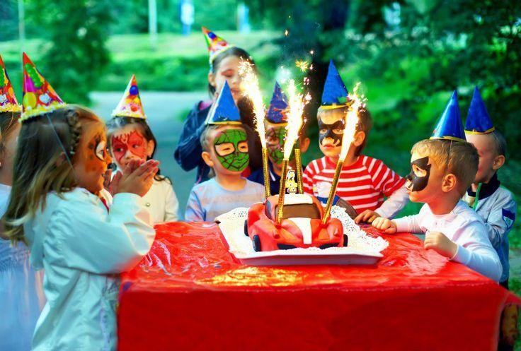 12 υπέροχες ιδέες για να οργανώσετε το τέλειο παιδικό πάρτι γενεθλίων.