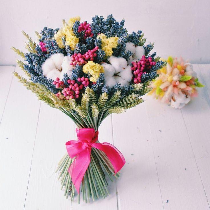 Объемный букет из сухоцветов