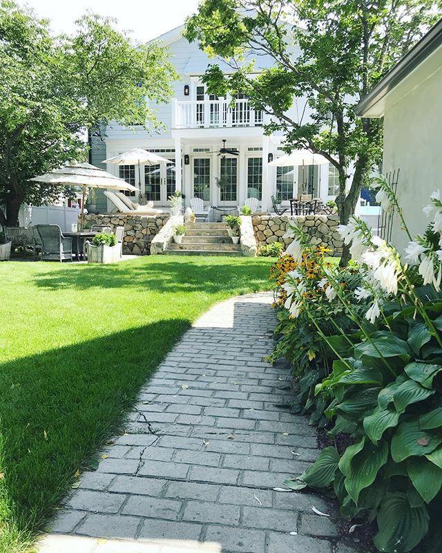 Ellen Featherglass Instagram Photos And Videos New England Homes Beautiful Homes Exterior