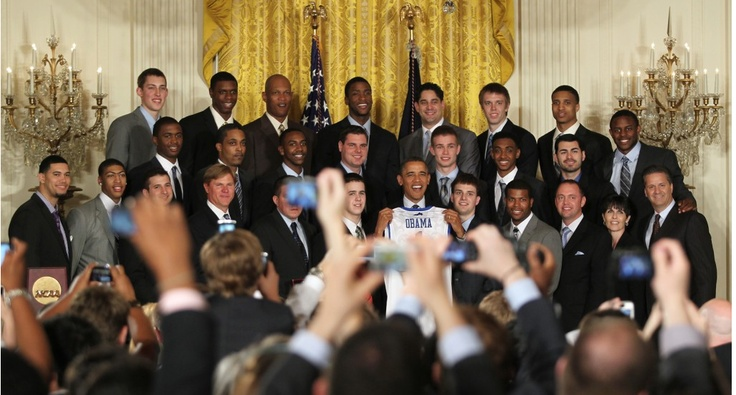 UK men's basketball team meets President Obama. I bet Stacey Poole regrets transferring now!