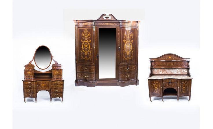 A beautiful antique Victorian bedroom suite by Edwards & Roberts, circa 1880.