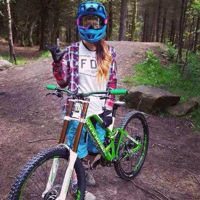 Beginner downhill racer, Amber charity. Interview here