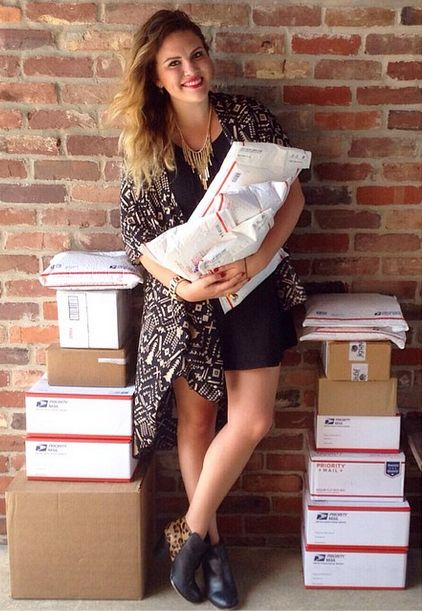 Success Story: How Alexandra made $5,000 in 30 Days by selling her closet on Poshmark.