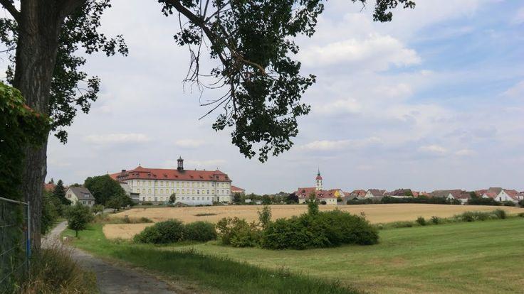 Röthlein-Heidenfeld, Kloster Maria Hilf und Pfarrkirche St. Laurentius (Hinten) (Schweinfurt) BY DE
