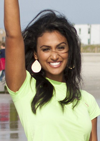 Miss America Nina Davuluri Asks School Not To Suspend Her Prom Date, Just Because Miss America Rejected Him Doesn't Mean The School Should