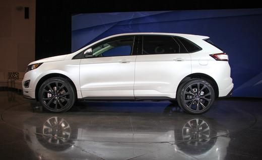2015 Ford Edge: Bigger, Bolder, Tech-ier - Photo Gallery of Official Photos and Info from Car and Driver - Car Images