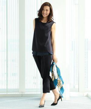 シフォン素材で柔らかな印象♪ スカーフでアクセントをプラス。30代アラサー女性のおすすめセットアップコーデ♡