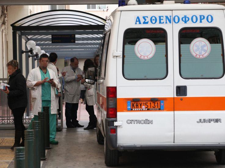 Στο κενό βρέθηκε ένας νεαρός άνδρας από την ορεινή περιοχή της Ξάνθης, όταν πήδηξε από την ταράτσα σπιτιού με αποτέλεσμα να τραυματιστεί. Σύμφωνα με το xanthinea.gr, πρόκειται για έναν 25χρονο από το χωριό Αιώρα, του Δήμου Μύκης, ο οποίος κάτω από αδιευκρίνιστες μέχρι στιγμής συνθήκες φαίνεται πως προσπάθησε να βάλει τέλος στη ζωή του. Ο …