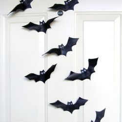 Use a bicycle inner tube to make bats for Halloween