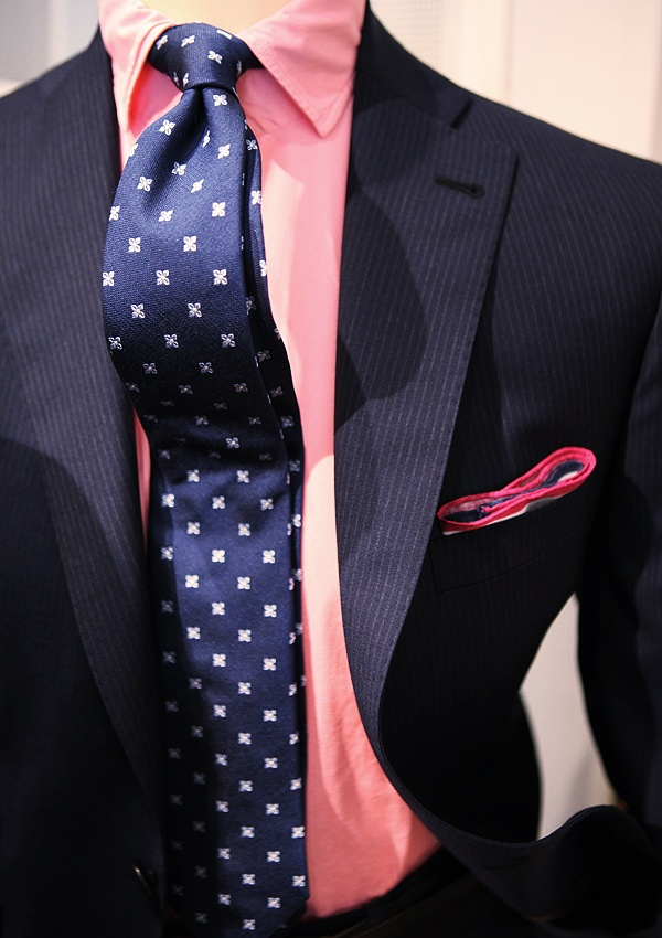 260 best men s suits images on pinterest neck ties men for Navy suit and shirt combinations