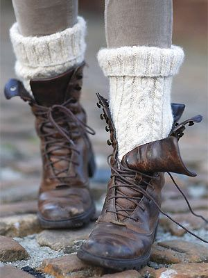 Keep your feet warm and cozy! #beautiful  #free #knitting #pattern