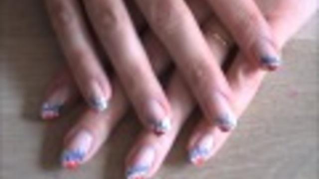 Stoere nagels voor #Koningsdag, het EK of WK? Bekijk deze instructievideo om te leren hoe je ze in rood-wit-blauw stijl kunt lakken. #nagellak