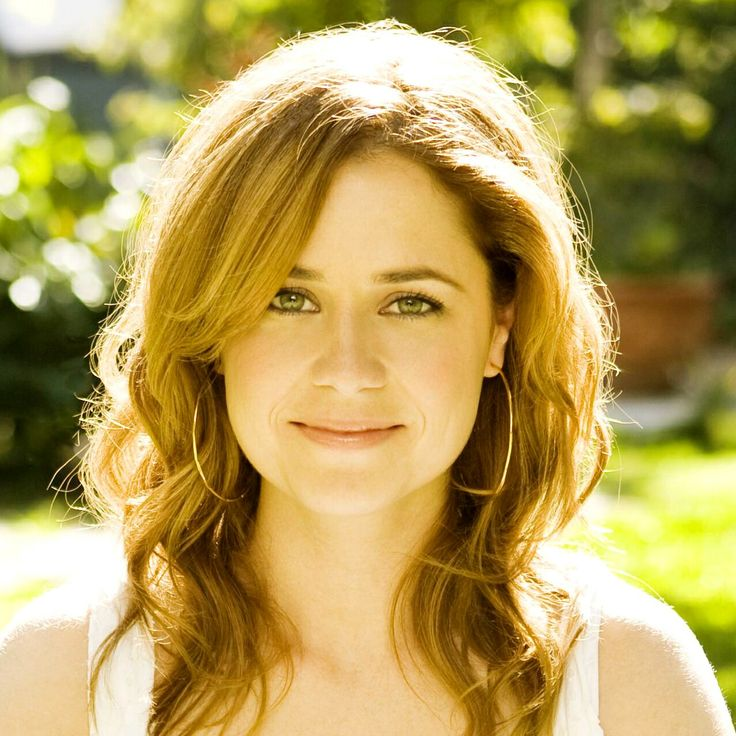 Jenna Fischer. I like the use of the sun as a rim light.