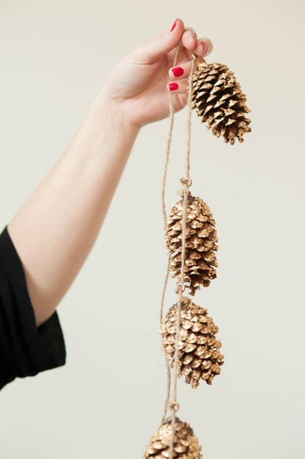 Natural Christmas Decor That Looks Right At Home Inside   Apartment Therapy