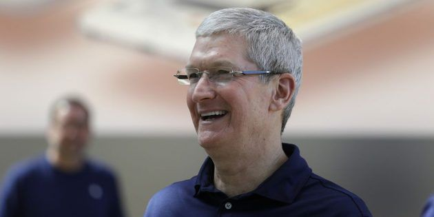 Apple: lo stipendio di Tim Cook viene tagliato di 15 milioni di dollari