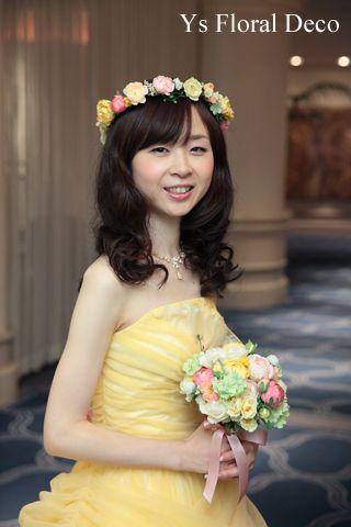 前回の記事からだいぶお時間経ってしまいました(汗)。予告しておりました、春色の花冠をかぶられた新婦さんの当日の様子を紹介いたします。とっても幸せな笑顔のお...